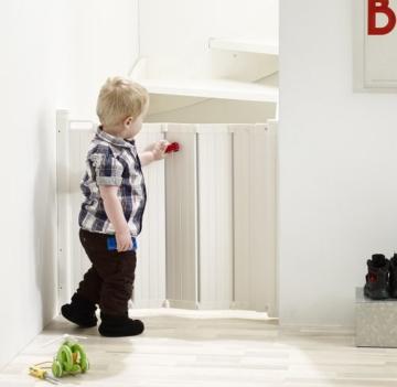 Guard Me by Baby Dan - das Gitter das automatisch faltet - hergestellt in Dänemark und vom TÜV GS geprüft -